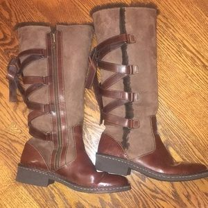 Born fur lined zipper brown leather boots.